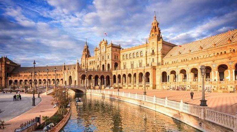 Todas las plazas de España se llamarán Plazas de Venezuela