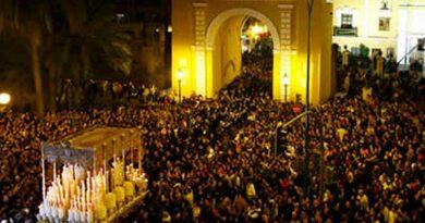 """Sevilla celebrará """"la madrugá"""", alegando que es de noche y el virus está dormido"""